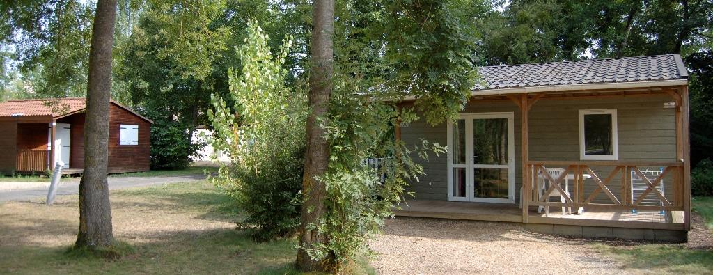 location-vacances-moncontour-active-park-terres-de-france-petits-prix-pas-cher-Poitou-Charentes-Vienne-Futuroscope-chalets-base-de-loisirs-camping-nature-piscine-baignade